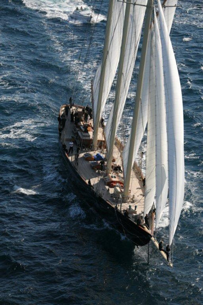 Lo schooner Atlantic (2)